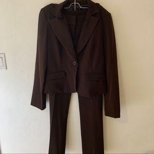 Brown business pant suit
